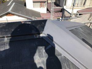 屋根水切り板金の下塗り
